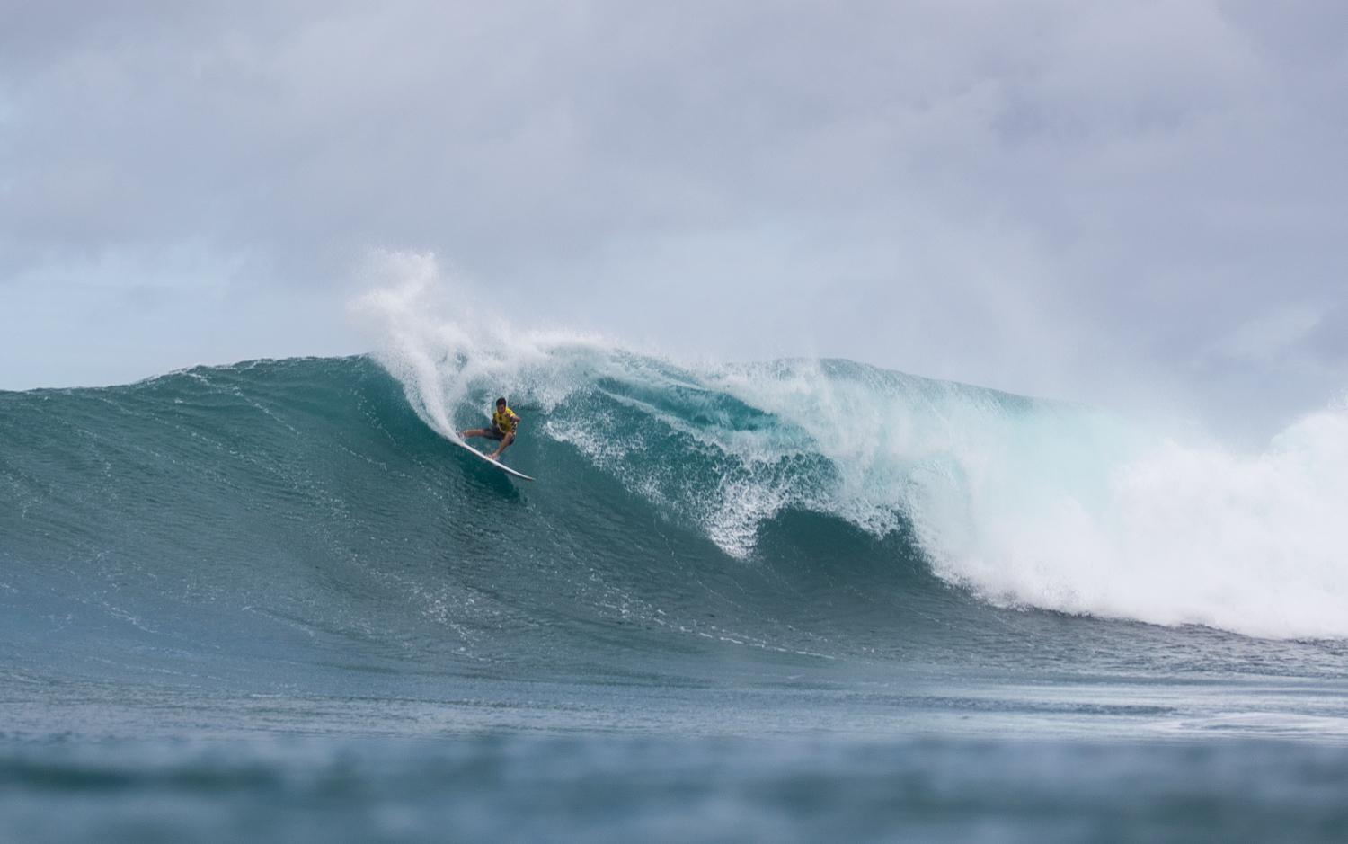 Ian Walsh on a set wave at Sunset for the 2015 HIC Pro