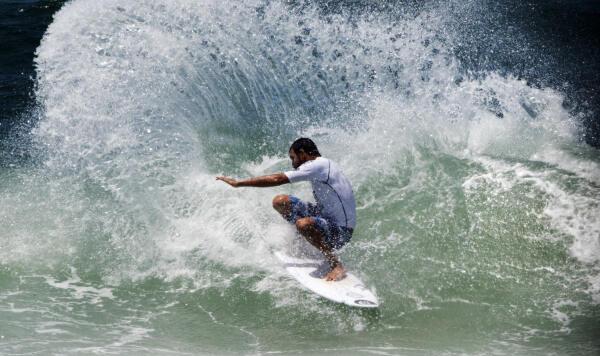 Jihad Khodr won his round 3 heat at the Telstra Stores Tweed Coast Pro