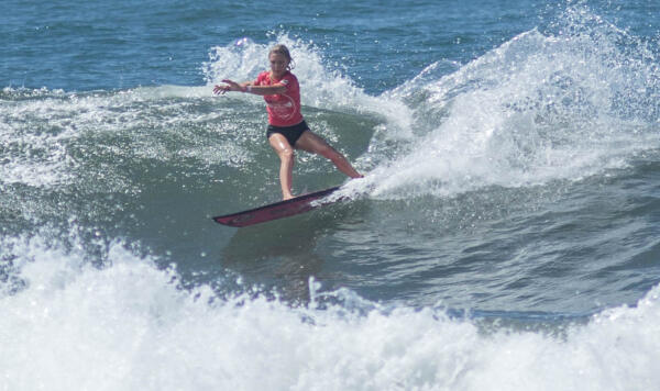 Alyssa Spencer (USA) earning runner-up in her Quarterfinal heat at the Essential Costa Rica Open Pro QS3,000