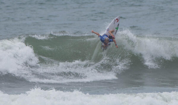 Leandro Usuna (ARG) earning third place in his Round 4 heat at the Essential Costa Rica Open Pro QS3,000