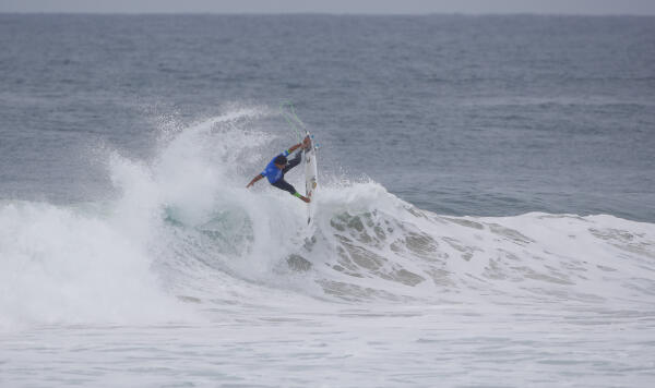 Alex Ribeiro during Round 2 at the QUiksilver Pro France.