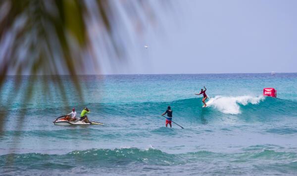 Ahina was the 2015 Duke's Waikiki Wahine Longboard Pro winner