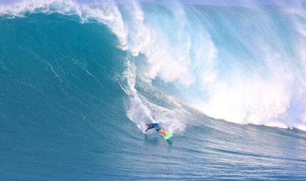 Paige Alms at Jaws, Maui, Hawaii on January 28, 2016. Photo by Dooma Photos. An entry into the 2016 Paddle Award category.