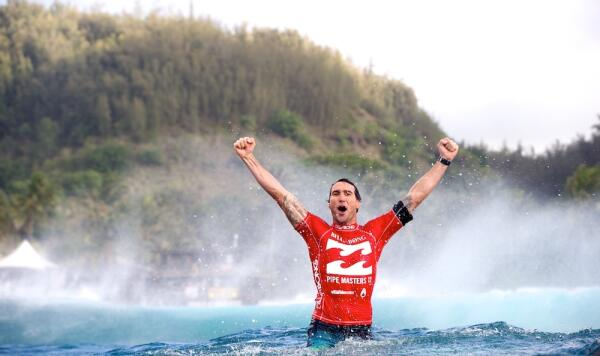 Parko claims the World Title at Pipe in 2012.
