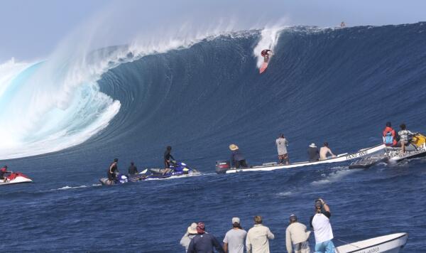 Shaun Lopez hooks into a beast.