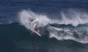 Jamie O'Brien started off Day 2 of the HIC Pro with a solid score, finessing the sets at Sunset Beach.