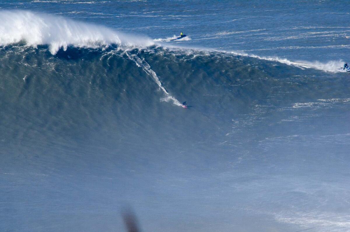 XXL Biggest Wave Entry Maya Gabeira At Nazaré World Surf - Biggest ocean in the world
