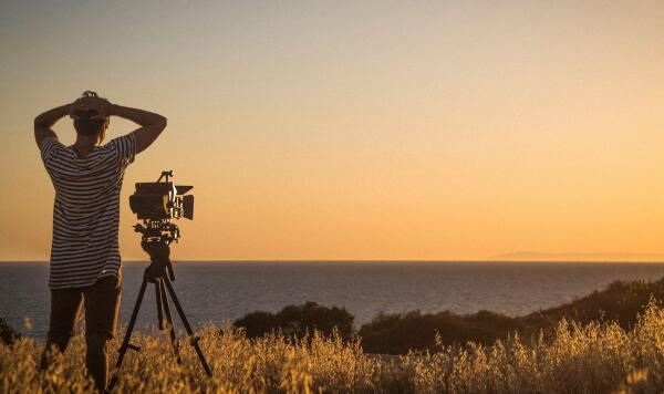 Gabriel Novis shooting for his film Sorria.