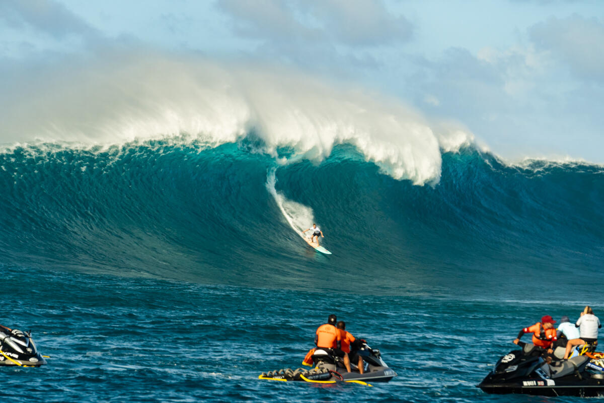 2020 Women's Paddle Nominee: Paige Alms at Jaws 2
