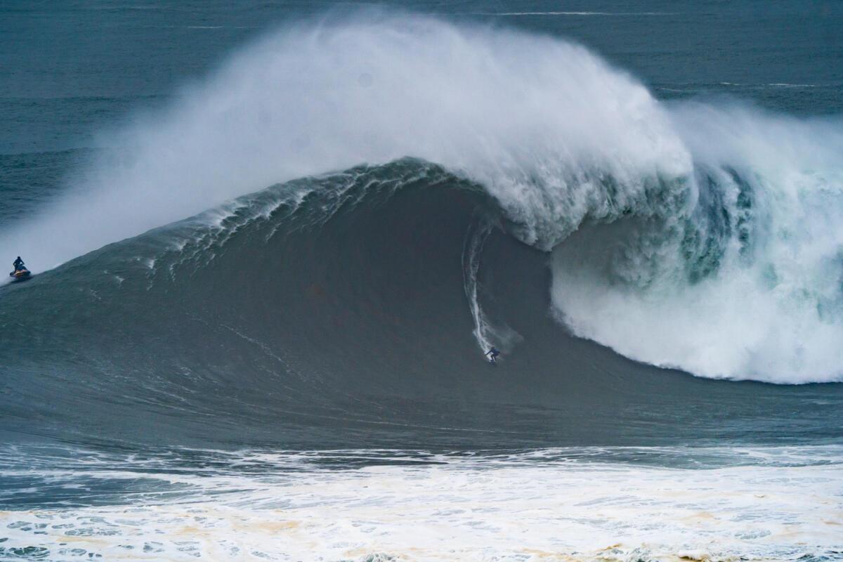 2020 XXL Biggest Wave Entry: Kai Lenny at Nazaré 2
